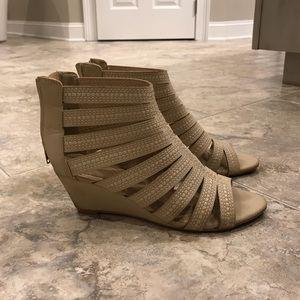 Cream/Tan Wedge Sandals